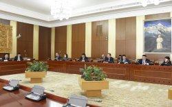 """""""Монгол Улсын эдийн засаг, нийгмийг 2018 онд хөгжүүлэх үндсэн чиглэл""""-ийн биелэлтийн тайланг хэлэлцэв"""