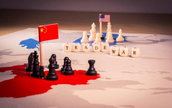 Хятад адгаж, АНУ тэвчиж байна