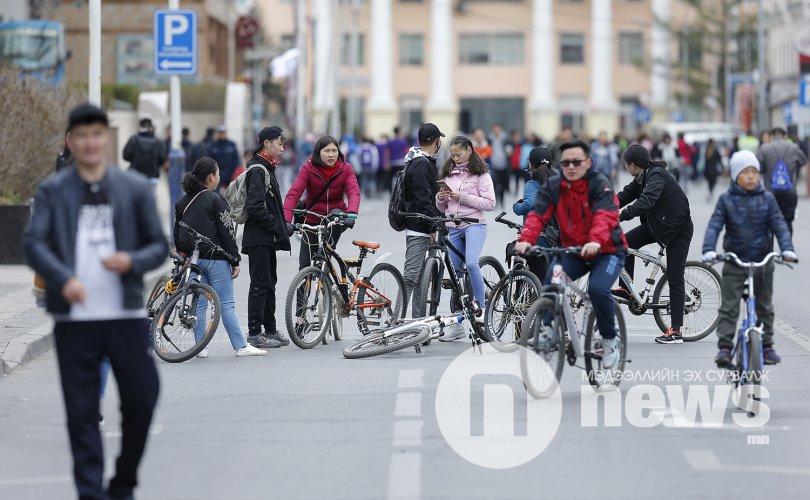 ФОТО: Автомашингүй өдрийн мэнд