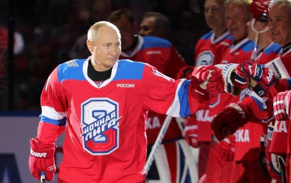 В.Путин хоккейн тоглолтод найман гоол оруулжээ