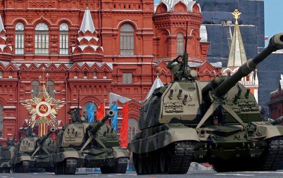 Ялалтын баярын цувааг домогт Т-34 хуягт танкууд тэргүүлнэ