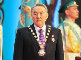 Нурсултан Назарбаев хүндэт сенатч болжээ