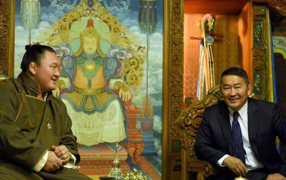 Ерөнхийлөгч Хакухог Монголын иргэншлээс хасах уу?