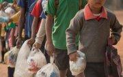 Сургалтын төлбөрийн оронд хуванцар хог авдаг сургууль