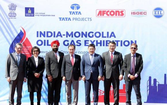 Энэтхэг-Монголын газрын тос байгалийн хийн үзэсгэлэнгийн нээлтэд оролцлоо