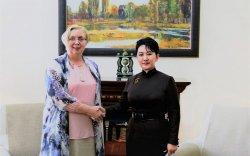 Б.Батцэцэг БНЛУ-аас Монгол Улсад суугаа Элчин сайдыг хүлээн авч уулзав