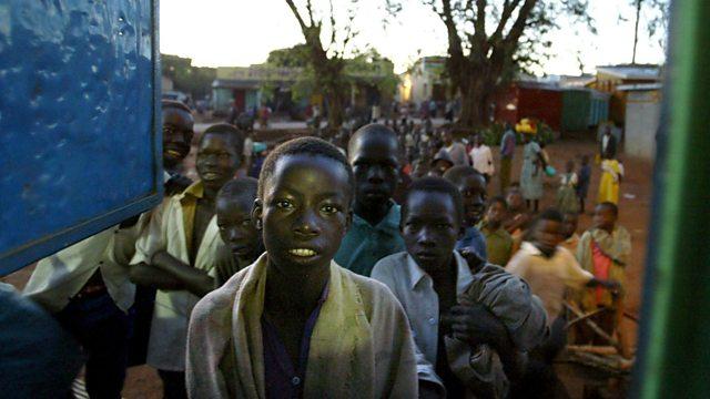 Гудамжны хүүхдүүдэд мөнгө, хоол өгөхийг хуулиар хориглов