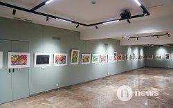 """Хүүхдийн ертөнцөөр """"гоёсон"""" Монгол арт галерей үүдээ нээлээ"""