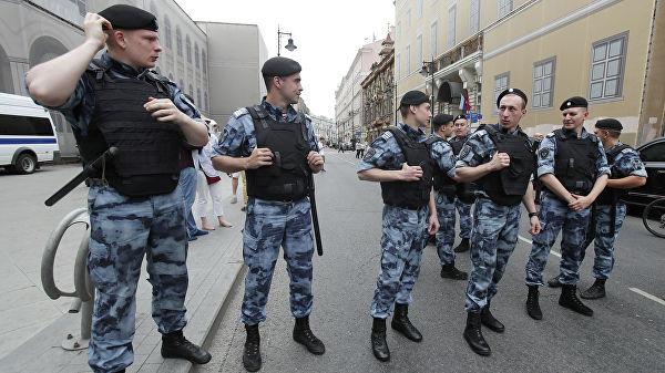 Хууль бус цуглаанд оролцсон 200 гаруй хүнийг Москвад баривчлав