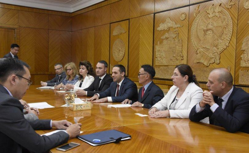 Болгарын Эдийн засгийн сайд тэргүүтэй төлөөлөгчдийг хүлээн авч уулзлаа