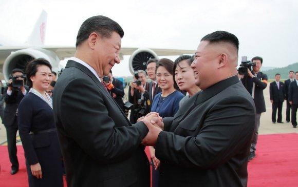 Ши Жиньпинд залуу Ким хөл алдав