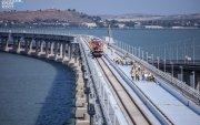 Крымийн гүүрийн төмөр замын хэсгийн эхний шугамыг тавив