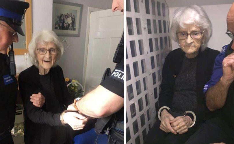 93 настай эмэгтэй цагдаад баривчлагдаж үзэх хүслээ биелүүлжээ