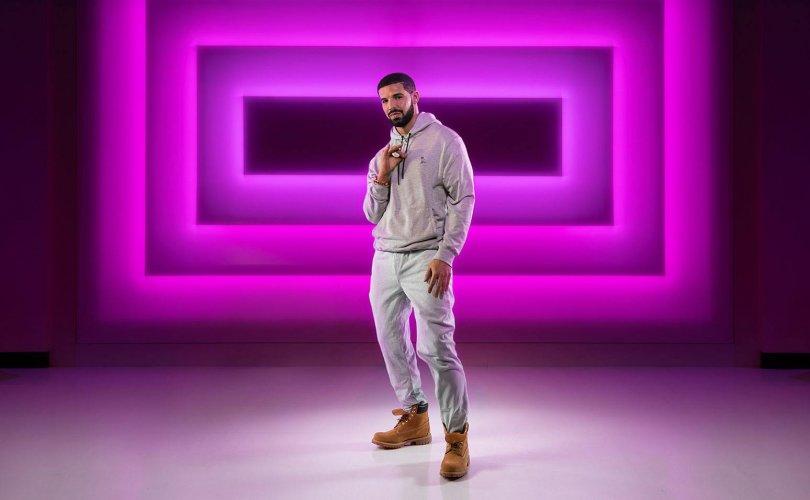 Реппер Drake Тюссод лааны тосон барималтай боллоо