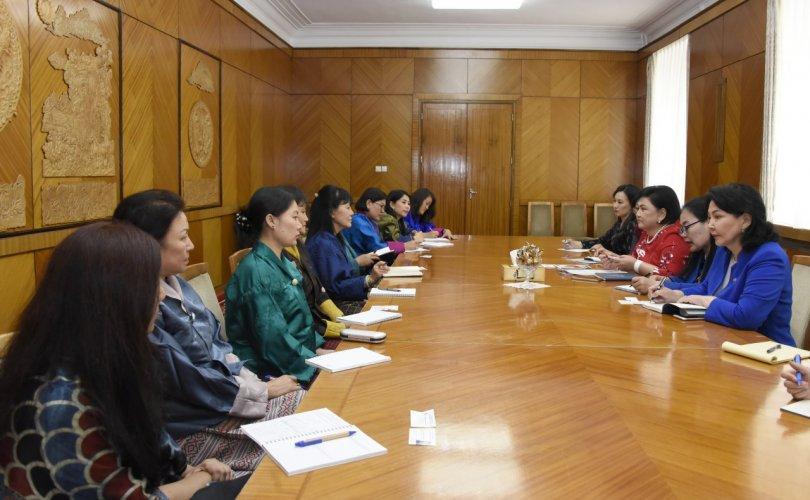 УИХ-ын эмэгтэй гишүүд Бутаны Хаант Улсын төлөөлөгчидтэй уулзлаа