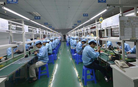 Шаардлагатай бол iPhone-ын үйлдвэрлэлийг Хятадаас бүрэн гаргана