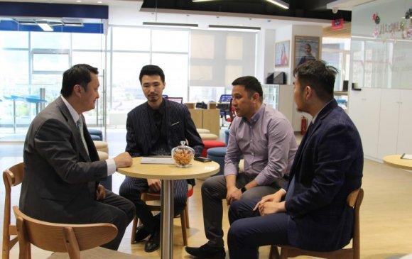 """""""Wall Street English Mongolia"""" англи хэлний төвтэй хамтын ажиллагааны гэрээ үзэглэлээ"""