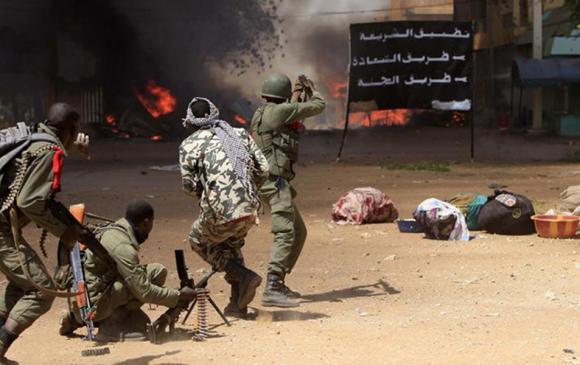 Мали улсад зэвсэгт халдлага гарч 100 орчим хүн амь үрэгджээ
