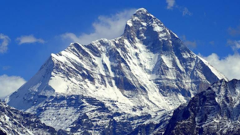 Гималайн ууланд найман уулчин сураггүй алга болжээ