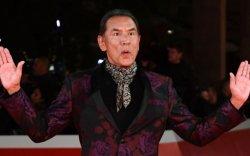 Жүжигчин Вэс Студи Оскарийн шагнал хүртсэн анхны уугуул америк хүн боллоо