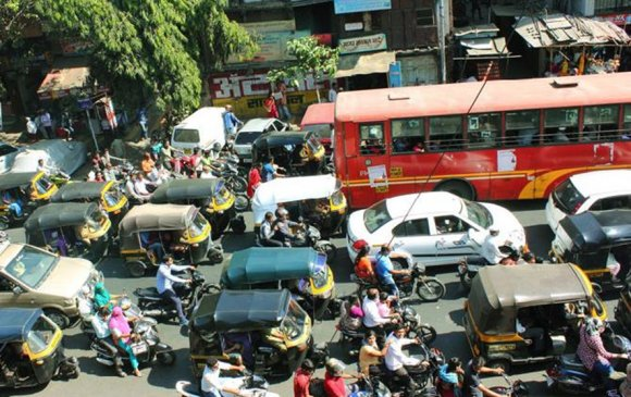 Авто замын түгжрэлээр Мумбай тэргүүлж, Дэли дөрөвт орж байна