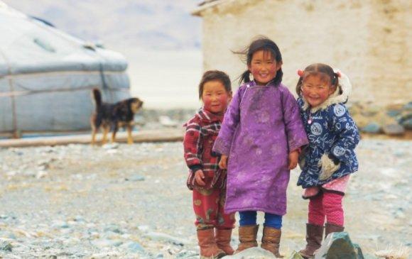 """Монголын тухай """"Мөнх тэнгэрийн орон"""" баримтат кино ОХУ-т нээлтээ хийжээ"""