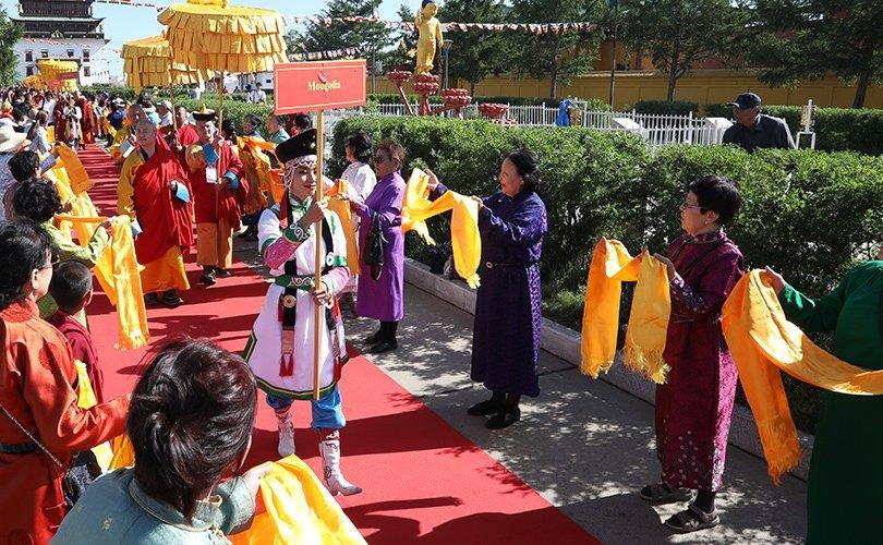 Азийн Буддистуудын энх тайвны бага хурал Гандантэгчэнлин хийдэд эхэллээ
