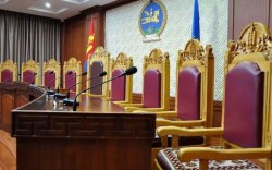 Ерөнхийлөгч шүүгч нарыг томиллоо