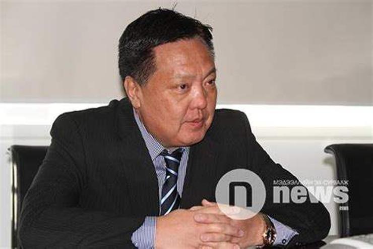 М.Энхсайхан: Ерөнхийлөгчөөс айж Монголоо золиослохгүй