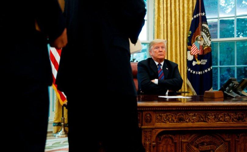 "Трамп ""Time"" сэтгүүлийн сэтгүүлчийг сүрдүүлжээ"