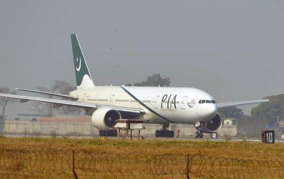 Ариун цэврийн өрөөтэй андууран онгоцны аврах гарцыг нээжээ