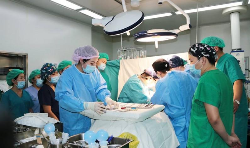УНТЭ-ийн эмч нар элэг шилжүүлэн суулгах хагалгааг бие даан нутагшуулж байна