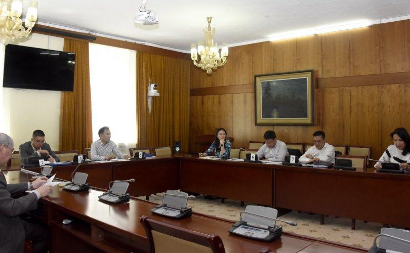 Монголын хуульчдын холбооноос ирүүлсэн саналуудыг хэлэлцэв