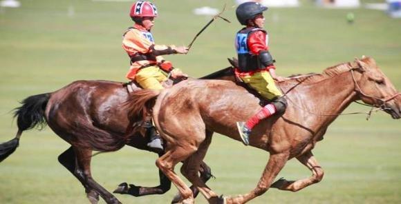 Хурдан морь унаач хүүхдийг даатгагчтай харилцан тохиролцож даатгуулна