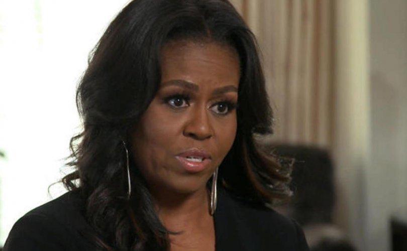 Мишель Обама өнгөт арьс эмэгтэйчүүдэд боломж бийг харуулахыг хүсчээ
