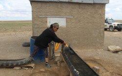 """Малчин Б.Бурмаа: """"Эрдэнэс-Тавантолгой"""" цахилгаанаар ажилладаг, цэнгэг устай шинэ худагтай болгож өгсөн"""