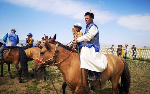 ГОВИЙН ШАНХ: Эрлийз дээд насанд Г.Батболдын хул морь түрүүлжээ
