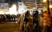 Хонконгод зэвсэгт этгээдүүд халдлага үйлдэж, 45 хүн бэртжээ