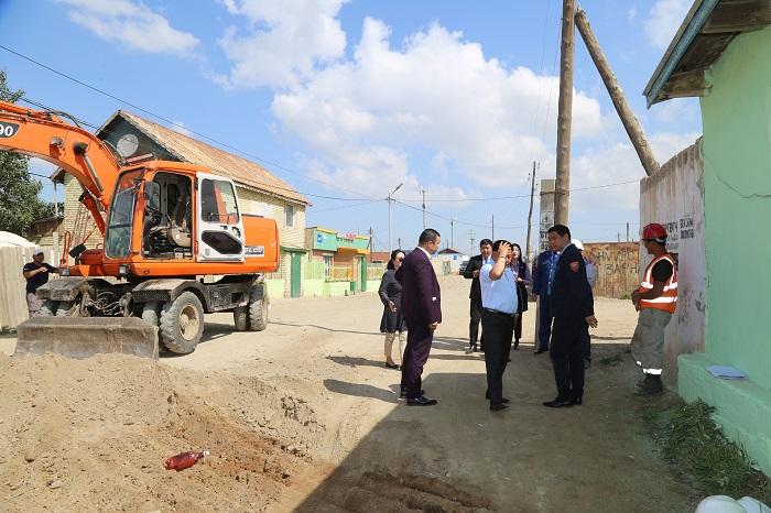 21-1 Хан-Уул дүүрэгт зам, тохижилт, цэцэрлэгжүүлэлтийн ажлууд үргэлжилж байна