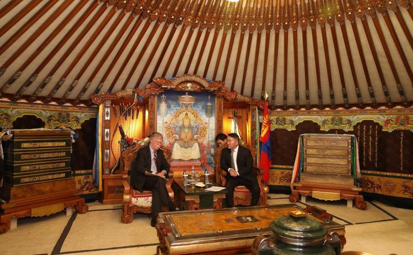Жон Болтон: Монголын төрийн удирдлагуудтай уулзах боломжийг алдаж болохгүй гэж үзсэн