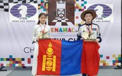 Б.Халиун, Д.Амарсайхан нар шатар сонирхогчдын дэлхийн аварга болов