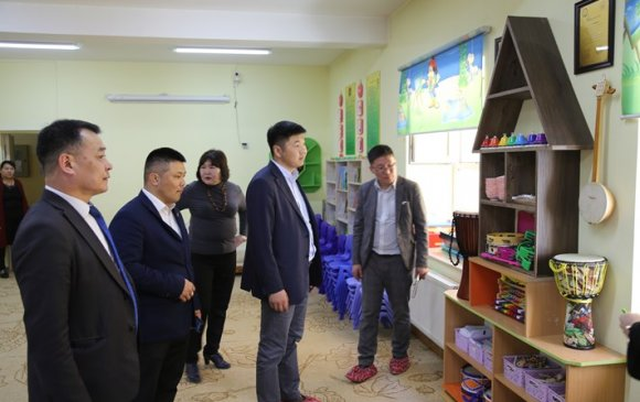 Хан-уул дүүргийн 10 дугаар хорооны сургууль, цэцэрлэгийн үйл ажиллагаатай танилцлаа