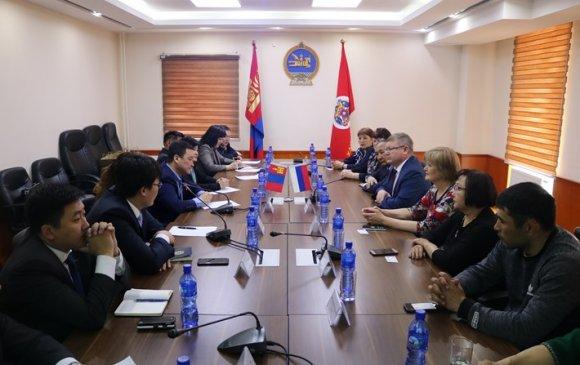 Хан-уул дүүрэгт Улан-Үдэ хотын Сэлэнгэ районы төлөөлөгчид зочиллоо