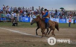 Монгол Улсын тод манлай уяач Т.Галбадрахын бор түрүү магнай хүртлээ