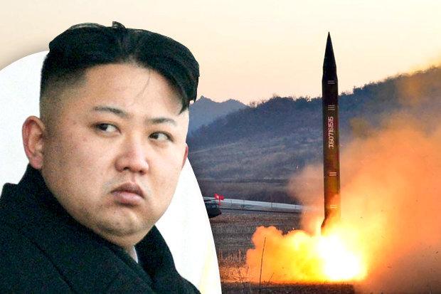 Хойд Солонгос хоёр пуужин харважээ