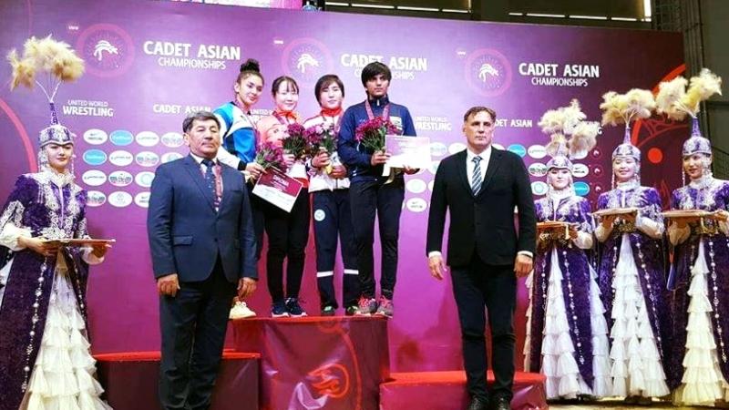 Б.Марал Азийн аварга шалгаруулах тэмцээнээс алтан медаль хүртлээ