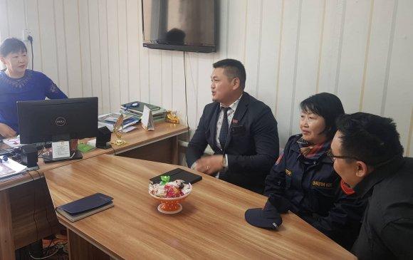 Хан-уул дүүргийн 12 дугаар хорооны сургууль, цэцэрлэгтэй танилцлаа