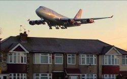 """""""Туулайчилж"""" яваад нисч буй онгоцноос унаж амиа алджээ"""