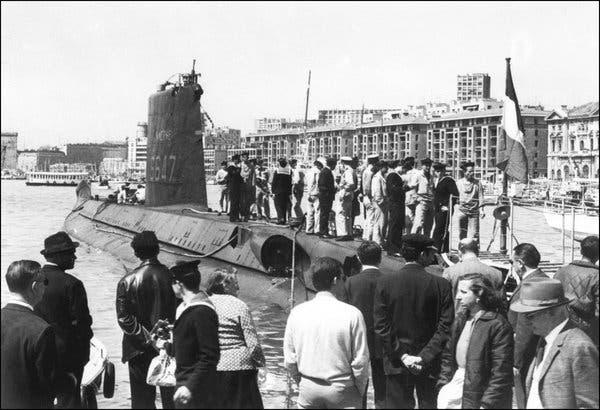 52 жилийн өмнө Газар Дундын тэнгист живсэн шумбагч онгоцыг олжээ