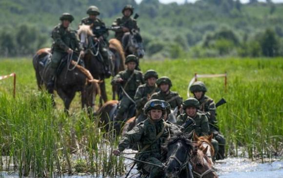 Найман орны цэргийн албан хаагч монгол мориор уралдана